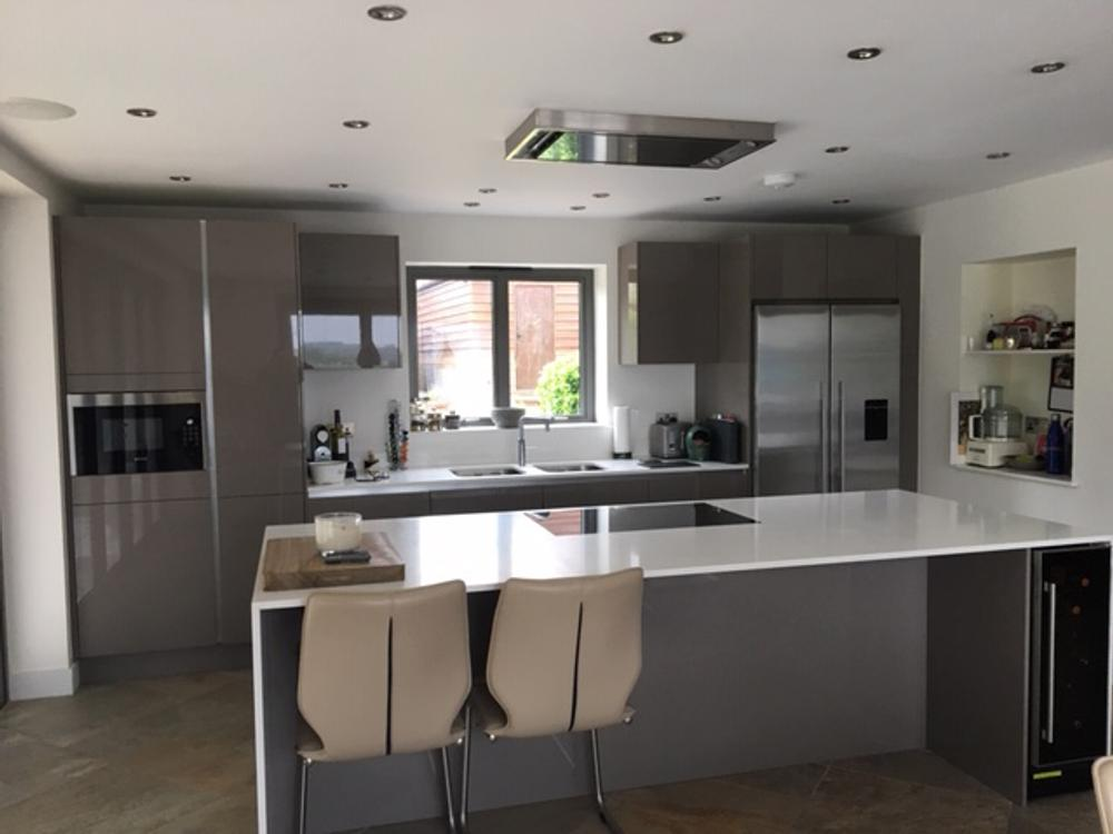 Hacker Basalt Grey Handleless Kitchen with Quartz Worktops