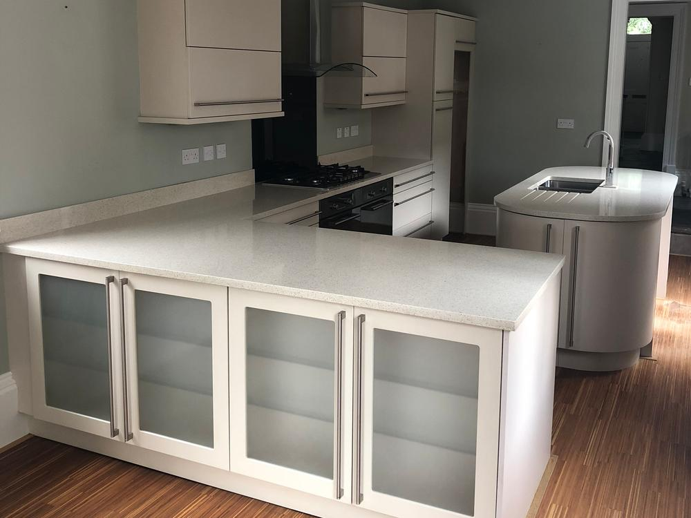 Sigma 3 Island Kitchen with Quartz Worktops